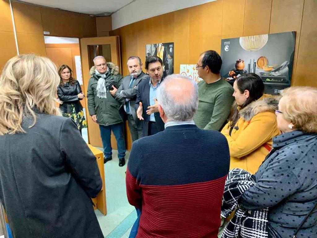 Miranda hablando sobre la nueva oficina de asesoramiento al retorno en Lugo.