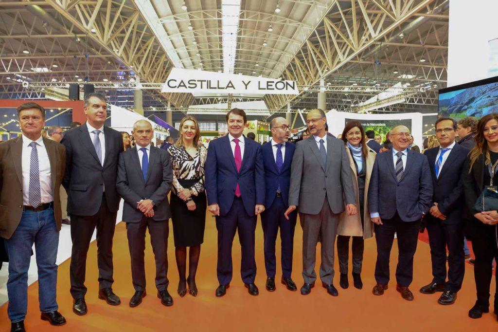 El presidente de la Junta de Castilla y León, Alfonso Fernández Mañueco, asistió a la inauguración de la Feria Internacional de Turismo de Interior (Intur).