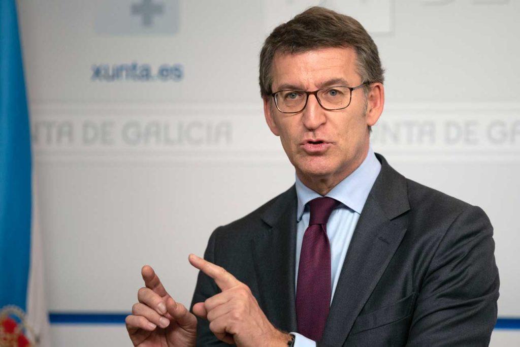 El presidente de la Xunta de Galicia, Alberto Núñez Feijóo, explica el contenido del anteproyecto en la rueda de prensa tras la reunión semanal del Ejecutivo autonómico.
