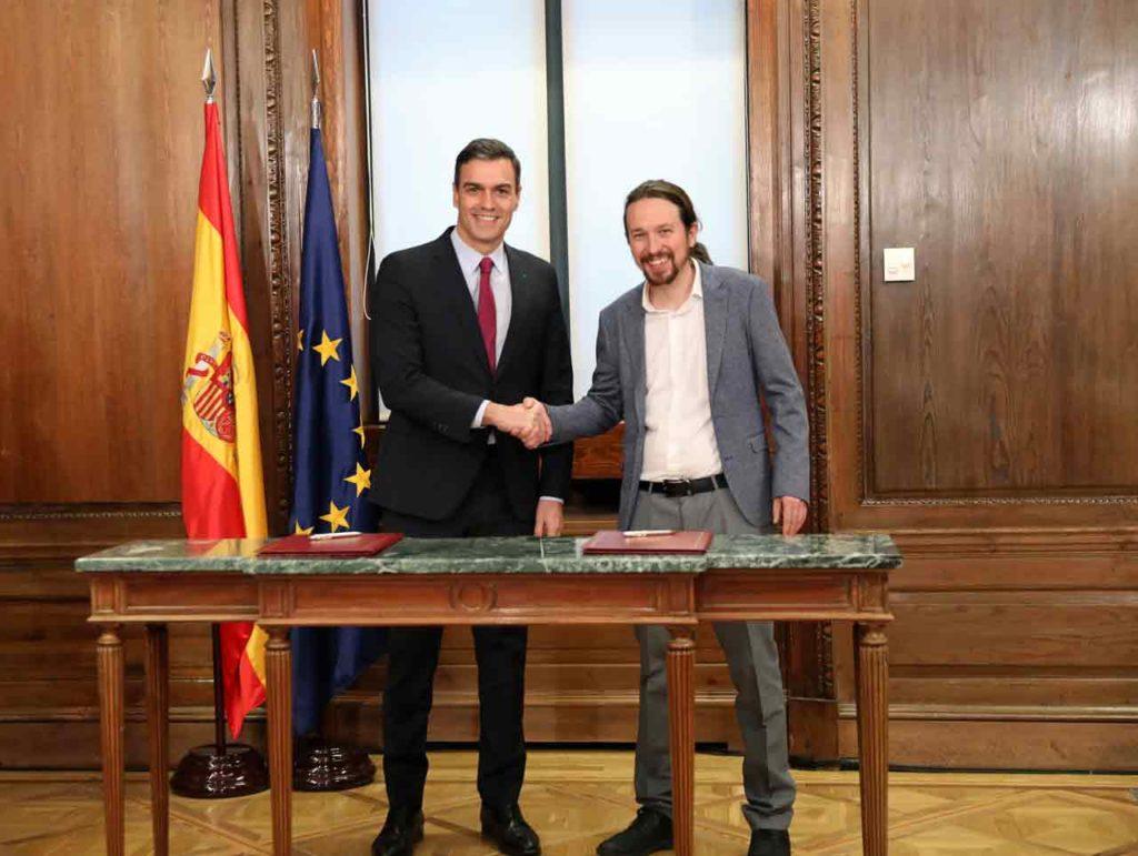 Pedro Sánchez y Pablo Iglesias firmaron el acuerdo.