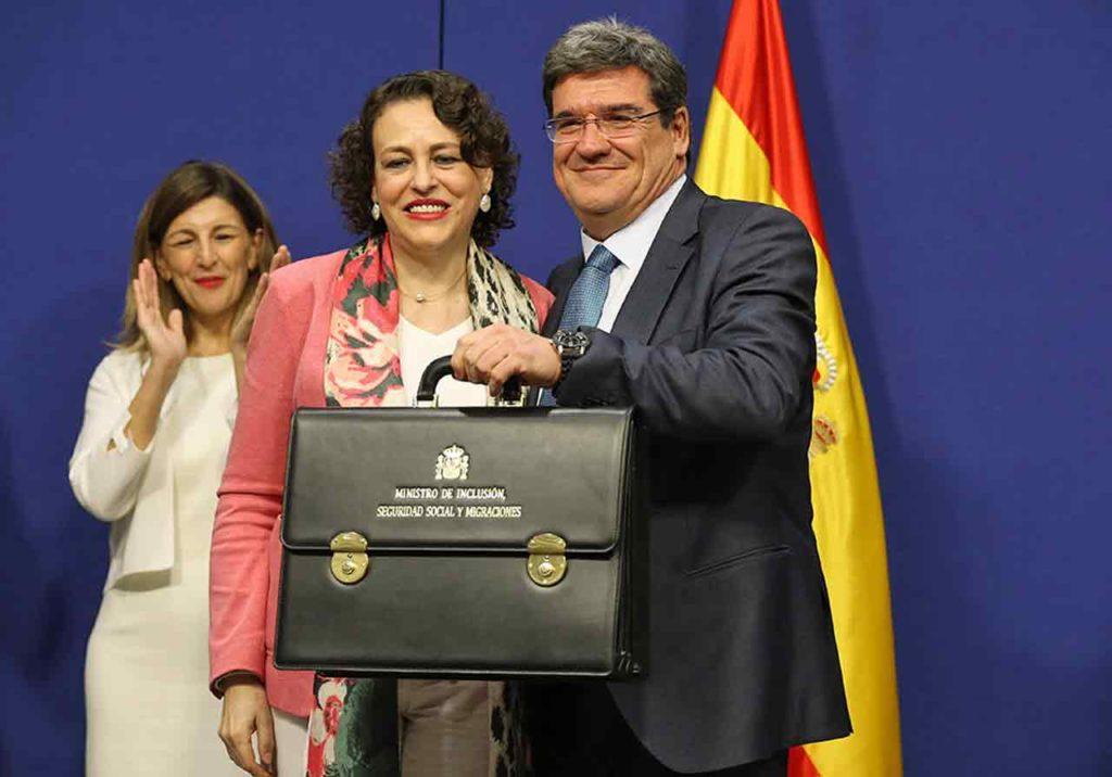 Magdalena Valerio entregó la cartera de ministro a José Luis Escrivá.