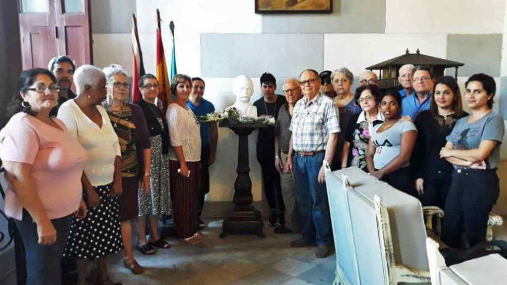 Homenaje a José Martí en la FAAC.