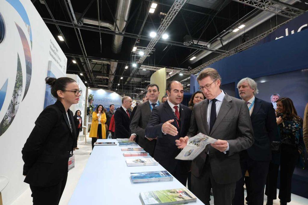 El titular de la Xunta presidió la presentación de Turismo de Galicia en Fitur 2020.