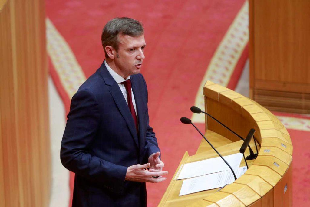 El vicepresidente de la Xunta, Alfonso Rueda, durante su comparecencia en el Parlamento.