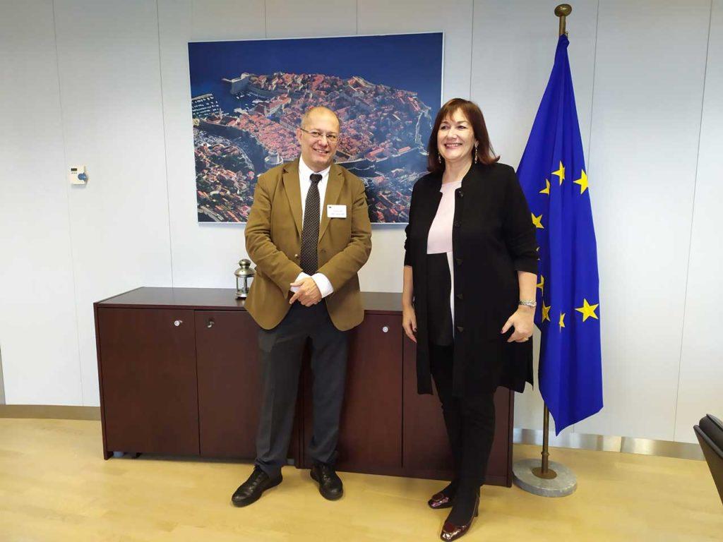 El vicepresidente, portavoz y consejero de Transparencia, Ordenación del Territorio y Acción Exterior, Francisco Igea se reunió en Bruselas con la vicepresidenta de la Comisión Europea responsable de Demografía y Demografía, Dubravka Suica.