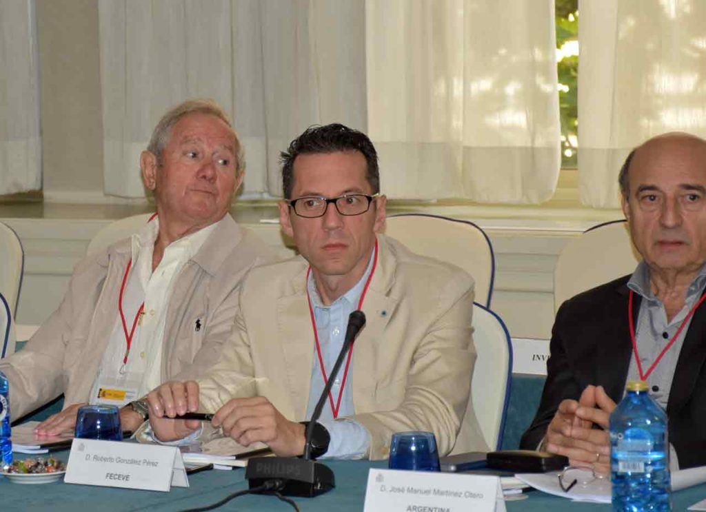 Roberto González en la reunión del Consejo General de la Ciudadanía Española en el Exterior de junio de 2018.