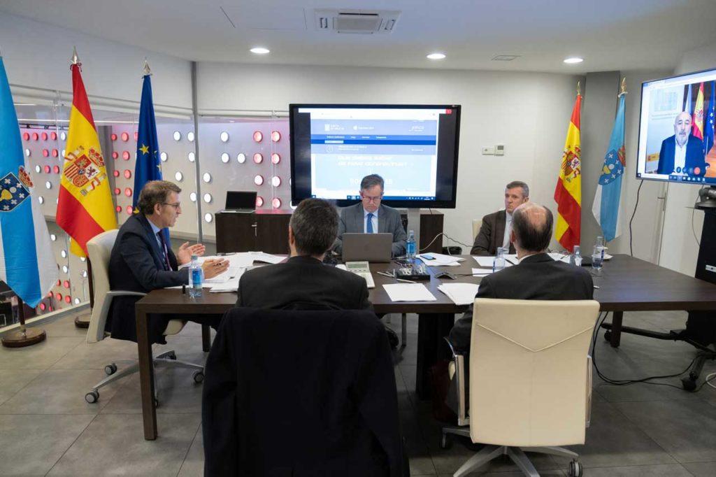 El titular del Gobierno gallego, Alberto Núñez Feijóo, preside la reunión en A Estrada de la Comisión de Coordinación Operativa puesta en marcha para hacer frente a la emergencia del coronavirus.