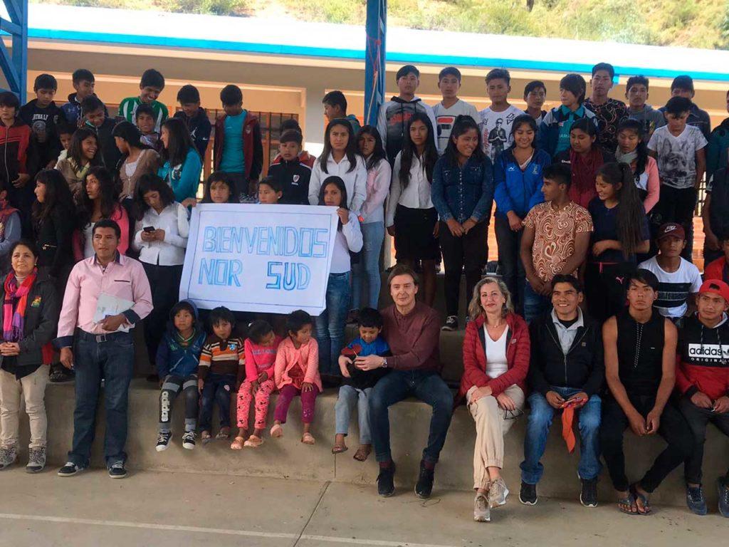 La delegación gallega comprobó en las unidades educativas de Cucuri y San Juan de Horcas, en el municipio de Poroma, las mejoras que se están implantando en el marco de un proyecto financiado por la Cooperación Galega.