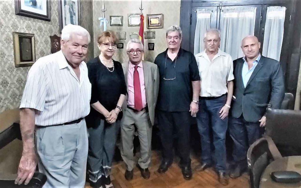 Juan Fernandez Lidueña, Teresa Albert, José Castro Navas, Enrique Gaisán, Roberto Andrada, Pablo Puertas Sabasta en la Asociación Española de Socorros Mutuos de Córdoba.