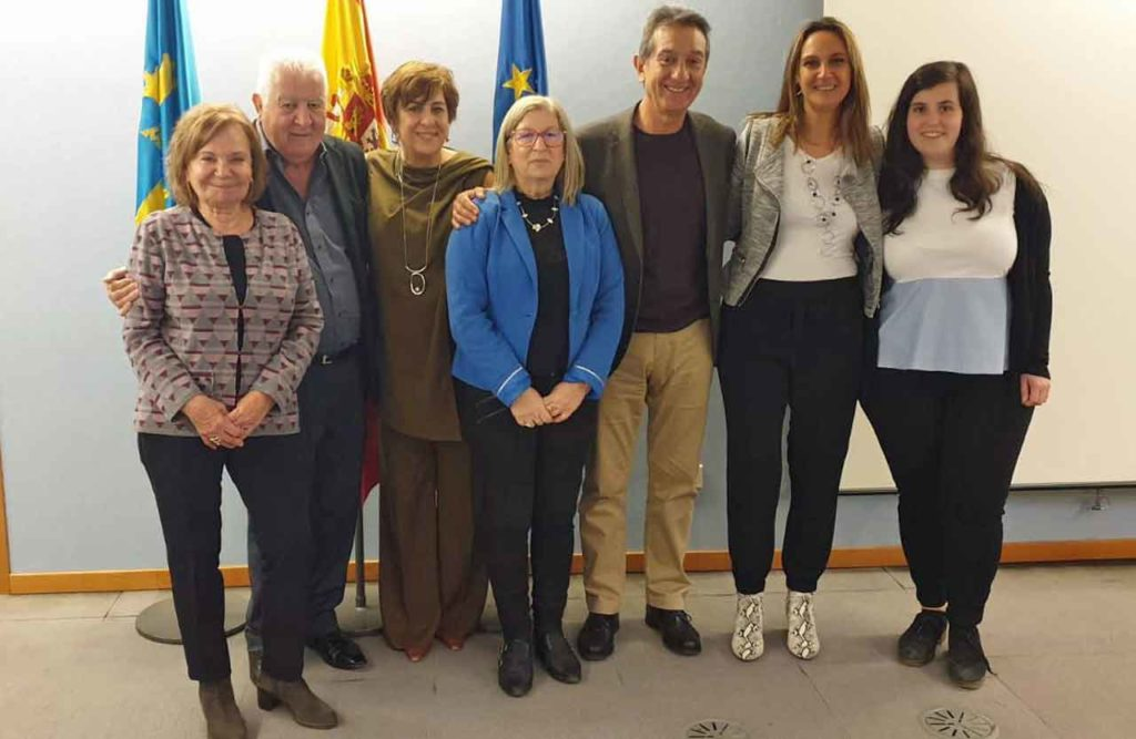 María Antonia Fernández Felgueroso, Juan Manuel Posada, Begoña Serrano, Pilar Burgos, Manuel de Barros, Rita Camblor y Clara García Santiago.