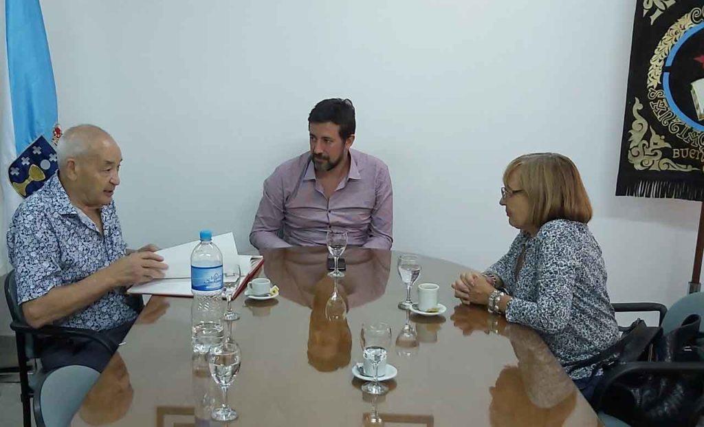 Reunión con la directiva de la Fundación Galicia América, responsable del Colegio Santiago Apóstol.