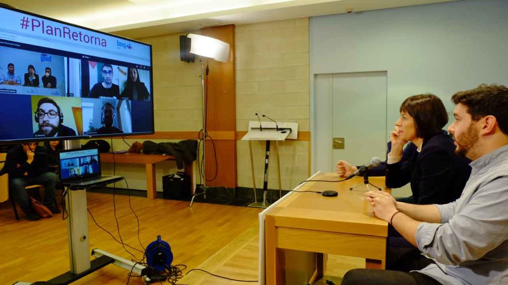 Ana Pontón en un momento del encuentro virtual con residentes en el extranjero.