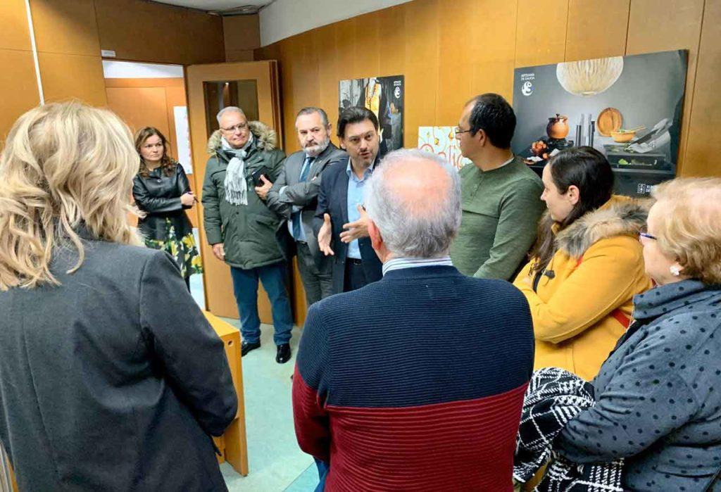 El secretario da Emigración, Antonio Rodríguez Miranda, durante la visita que realizó el pasado diciembre a la Oficina de atenció al retornado de Lugo.