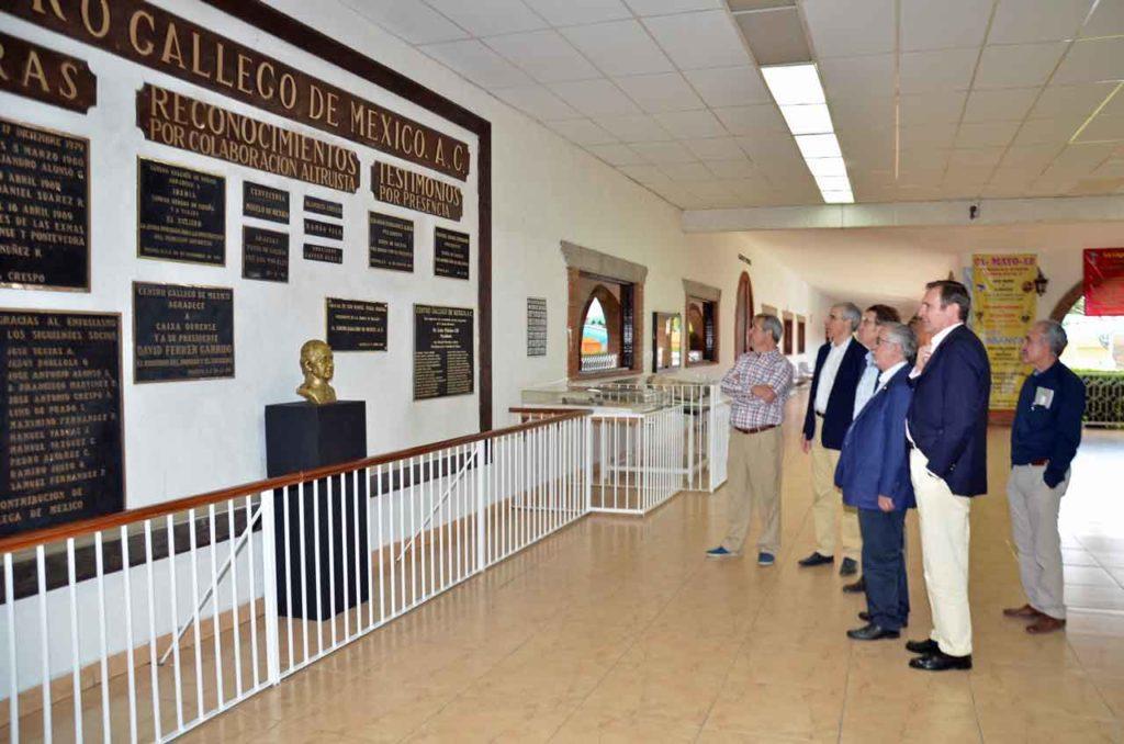 Foto de archivo de una visita de Feijóo al Centro Gallego de México.