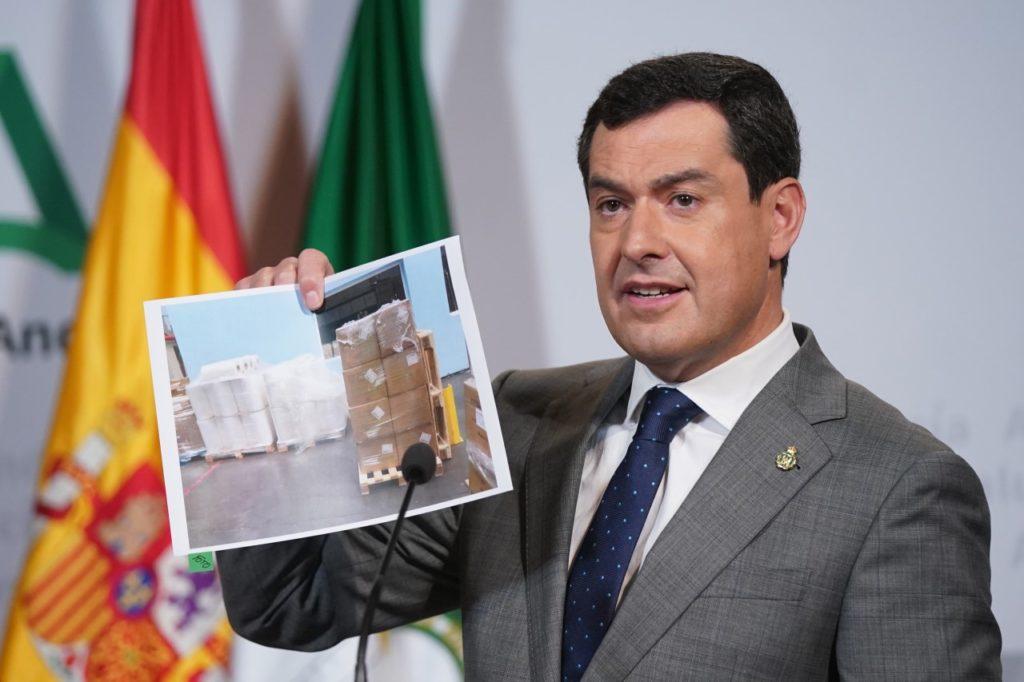 Juan Manuel Moreno Bonilla informa la los medios del plan de contingencia.