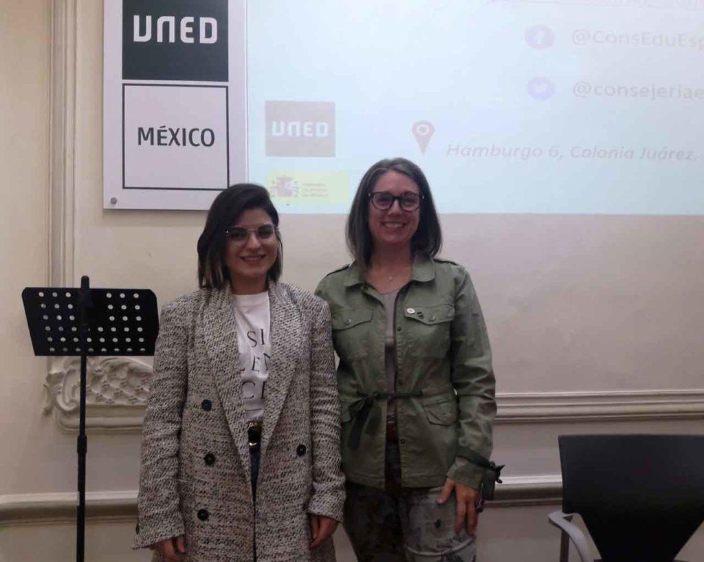 María José González y Guiomar Ramiro fueron las encargadas de presentar la oferta educativa de España.