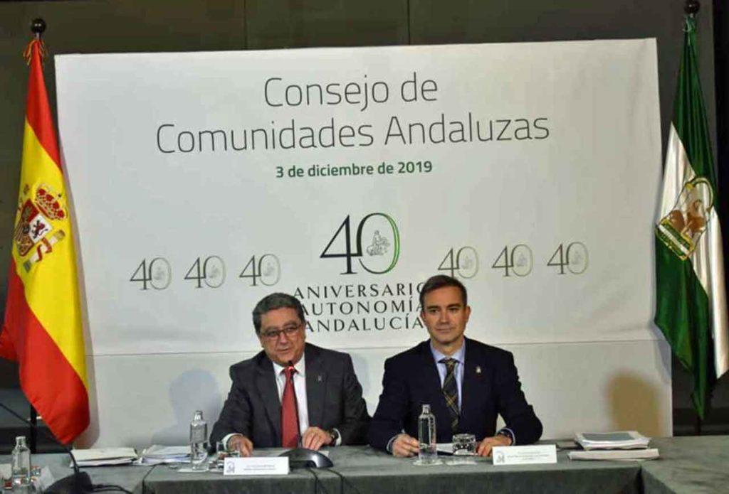 El secretario general de Acción Exterior de la Junta de Andalucía, Enric Millo, y el director general de Relaciones con los Andaluces en el Exterior, Amós García.