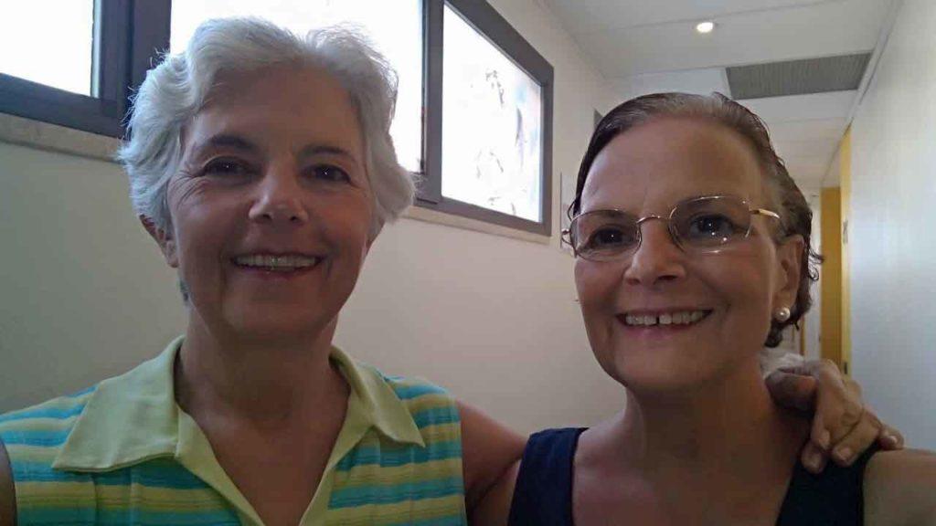Haydée y Ana María, felices horas antes de subir al avión que las llevó de regreso a Argentina.
