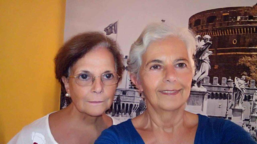 Larronde y Piñeiro en su habitación de hotel en Roma.