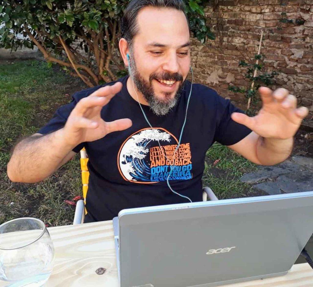 Santos Gastón Juan en una de las videoconferencias.