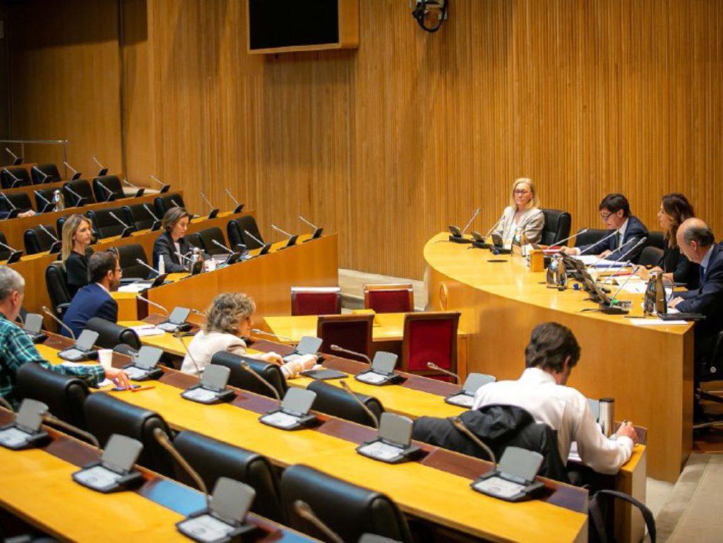 El ministro Salvador Illa informa en comisión en el Congreso de las medidas adoptadas por el Gobierno desde la proclamación del estado de alarma.