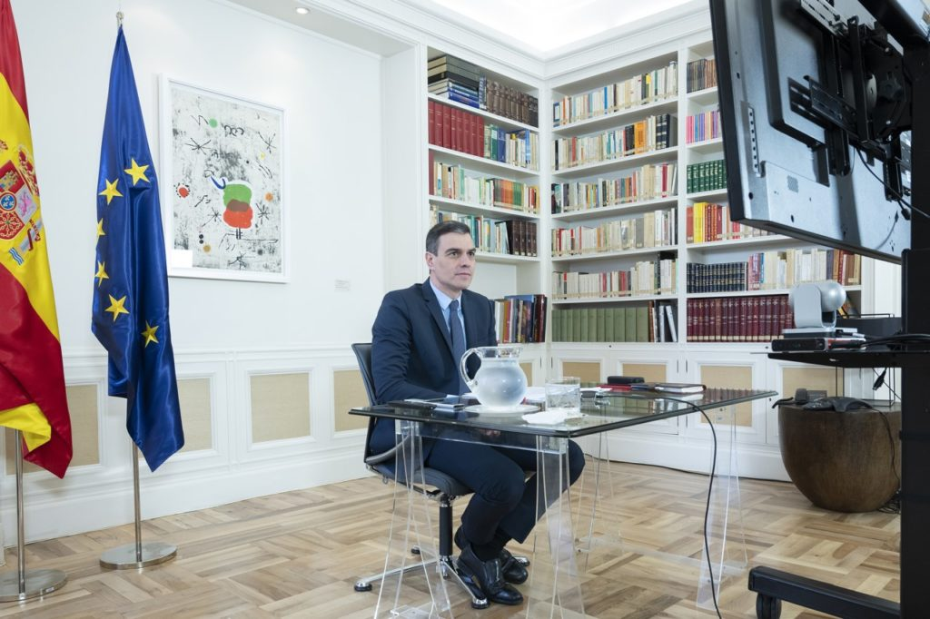 Pedro Sánchez durante la reunión del Consejo Europeo Extraordinario celebrada por videoconferencia.