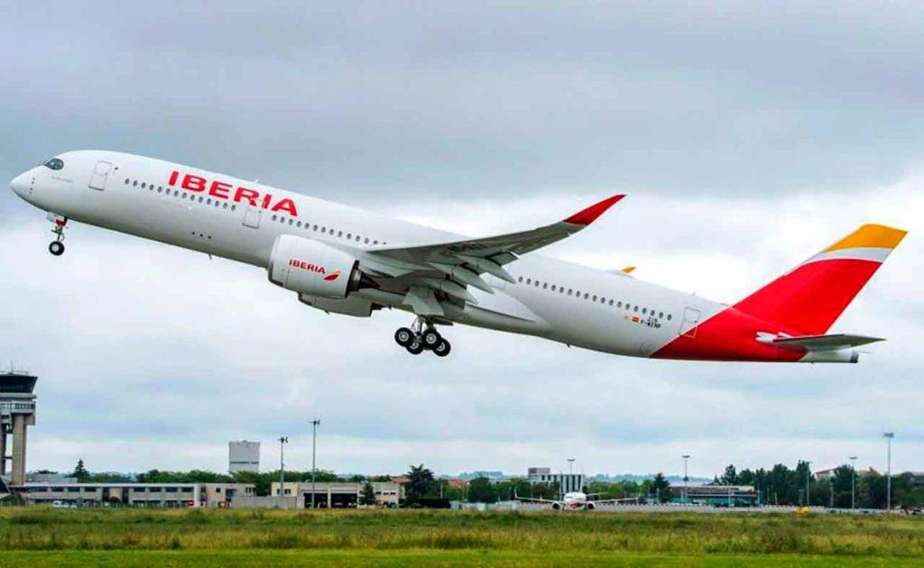 Más de 1.500 españoles ya pudieron retornar a sus hogares desde Argentina, la mayoría de ellos en vuelos especiales de Iberia.