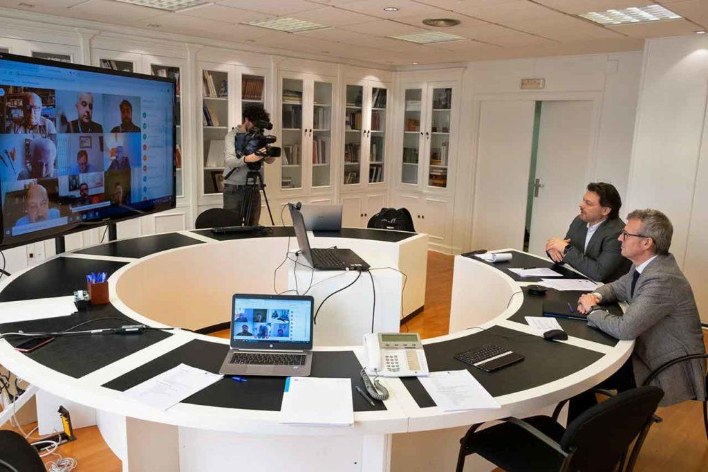 Imagen de la reunión por videoconferencia de la Comisión Delegada del Consello de Comunidades Galegas presidida por Alfonso Rueda.
