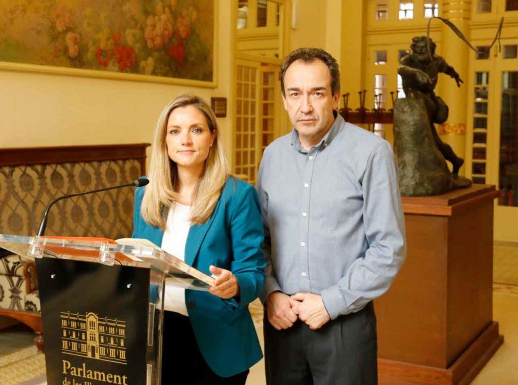 Patricia Guasp, portavoz adjunta de Ciudadanos en el Parlament balear, y JuanMa Gómez.