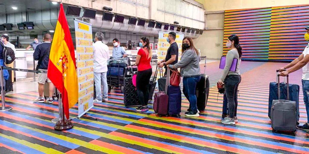 Pasajeros embarcando en el vuelo organizado el pasado 24 de mayo desde Venezuela.