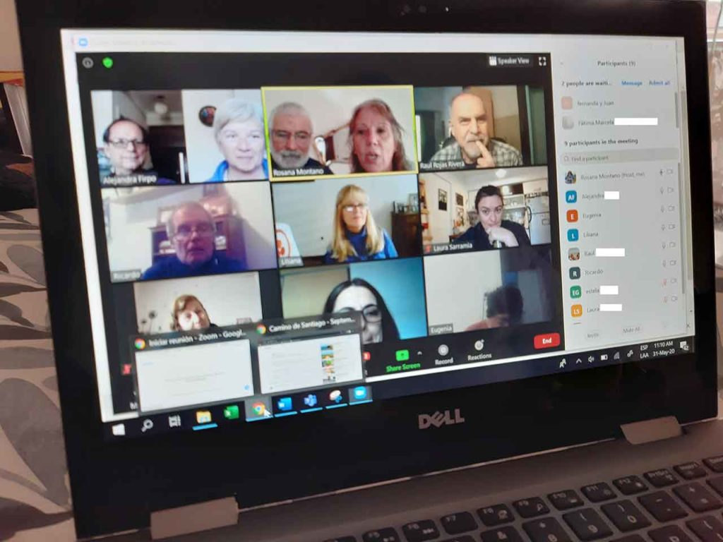 La Asociación sigue manteniendo encuentros con los peregrinos de manera virtual.
