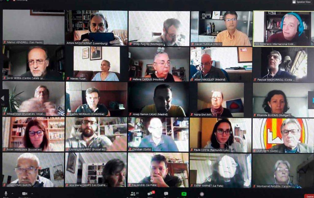 Participantes en la Asamblea de la FIEC.