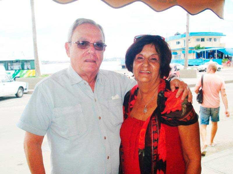 La presidenta de la ASCYL, Mª Antonia Rabanillo con el historiador Dr. Eusebio Leal.