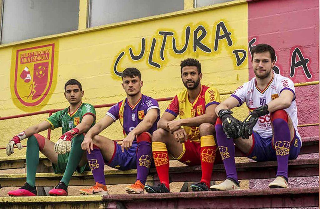 Nuevas camisetas del Villa Española.