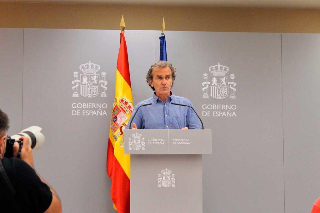 El director del Centro de Coordinación de Alertas y Emergencias Sanitarias, Fernando Simón, en la rueda de prensa.