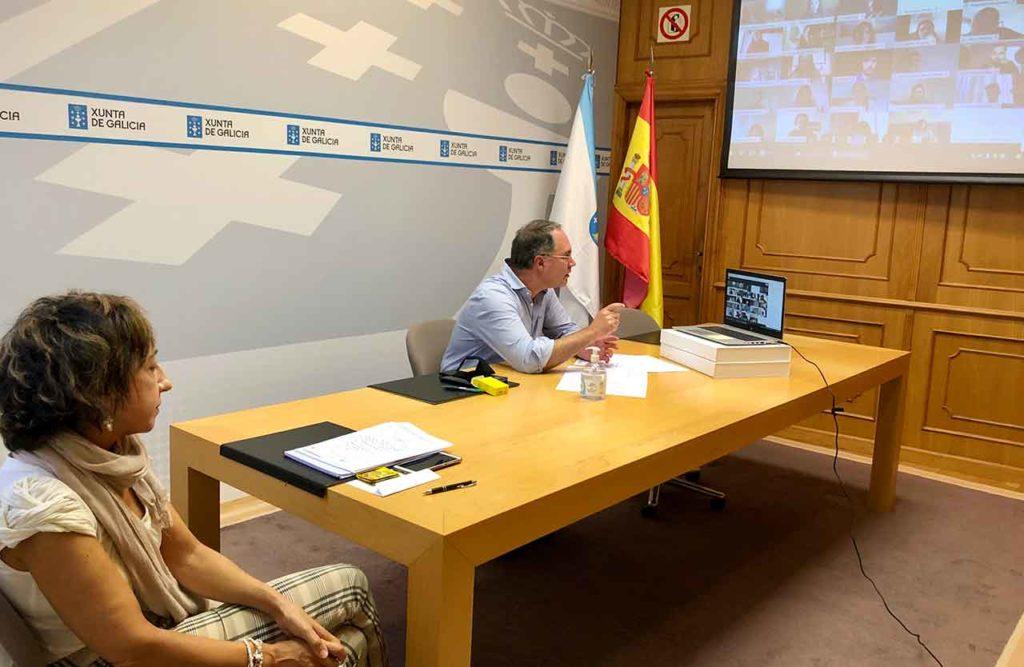 Jornada virtual informativa con los bolseiros que cursan el máster en la Universidade de Santiago.