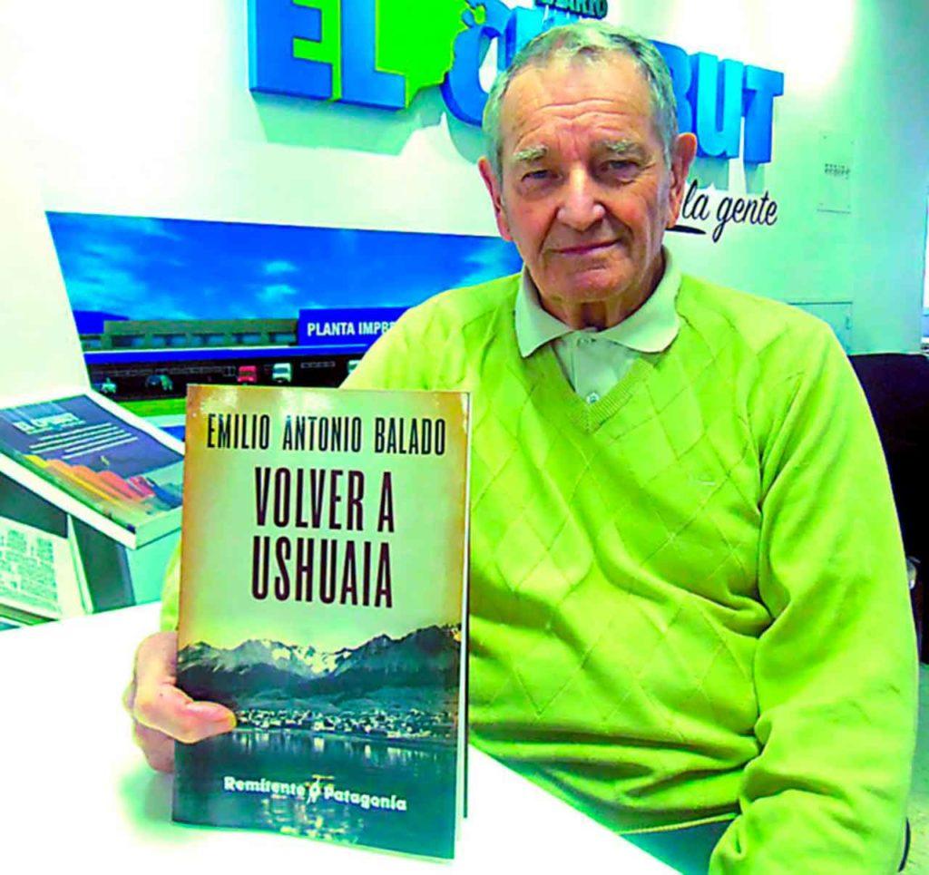 Emilio Balado presentó su libro.