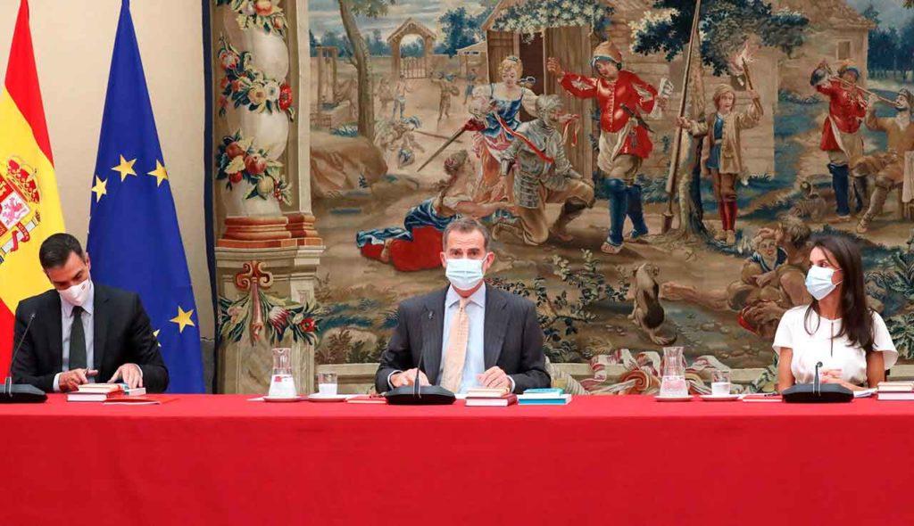 Felipe VI presidió la reunión del Patronato del Instituto Cervantes.