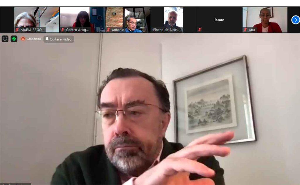 El cónsul Eduardo Aznar en un momento de la reunión telemática.