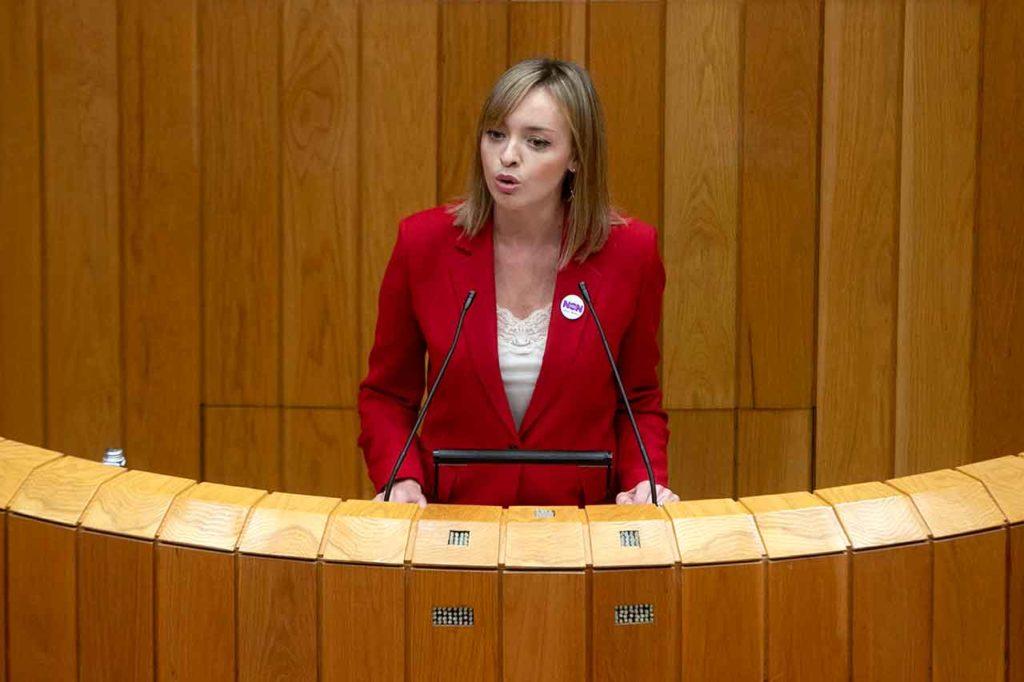 Un momento de la intervención de Fabiola García en el Parlamento de Galicia.