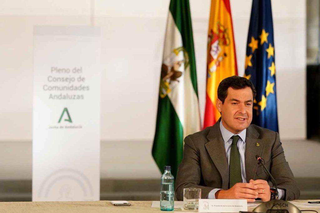 Juanma Moreno inauguró el XI Pleno del Consejo de Comunidades Andaluzas.