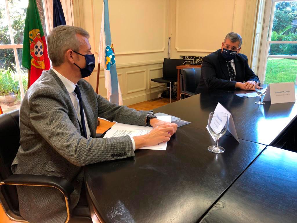 El vicepresidente primero de la Xunta, Alfonso Rueda, y el presidente de la CCDR del Norte de Portugal, António Cunha, en la reunión.