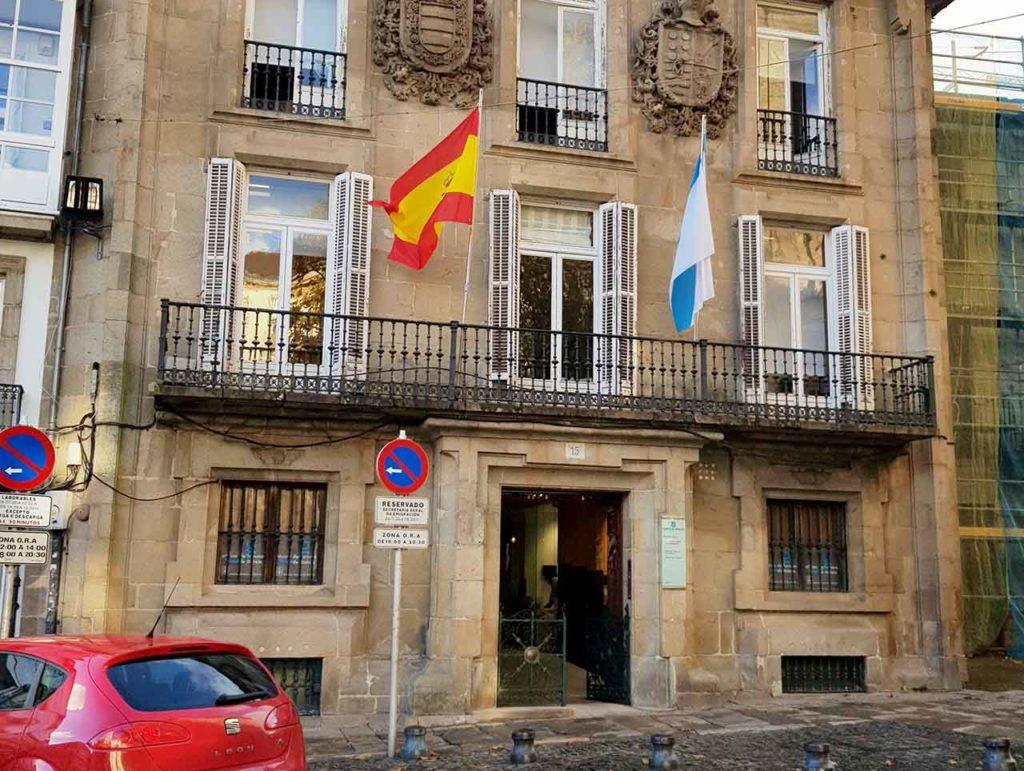 Sede de la Secretaría Xeral da Emigración en Santiago.