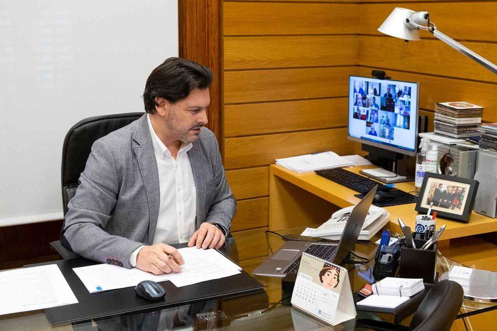 Antonio Rodríguez Miranda en un momento de la reunión con la Comisión Delegada.