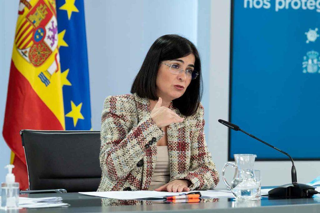 La ministra de Sanidad, Carolina Darias, durante su intervención en la rueda de prensa posterior al Consejo de Ministros.