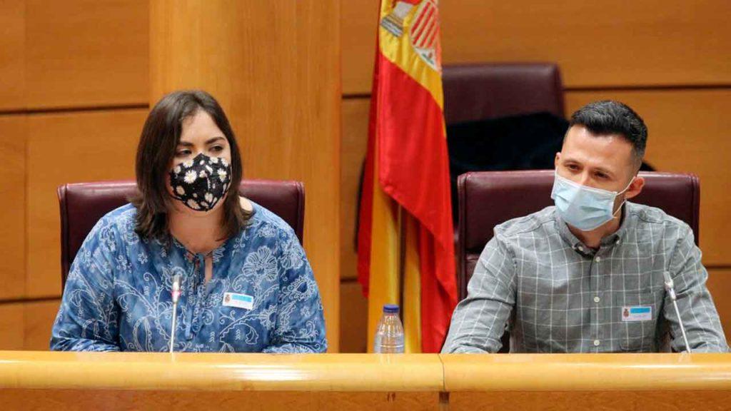 María José Pérez Vizán y Juan José Álvarez Merino en el Senado.