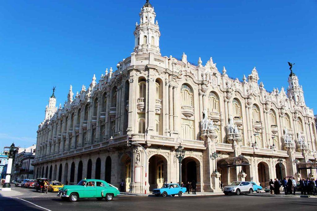 En la imagen el antiguo palacio del Centro Gallego de La Habana