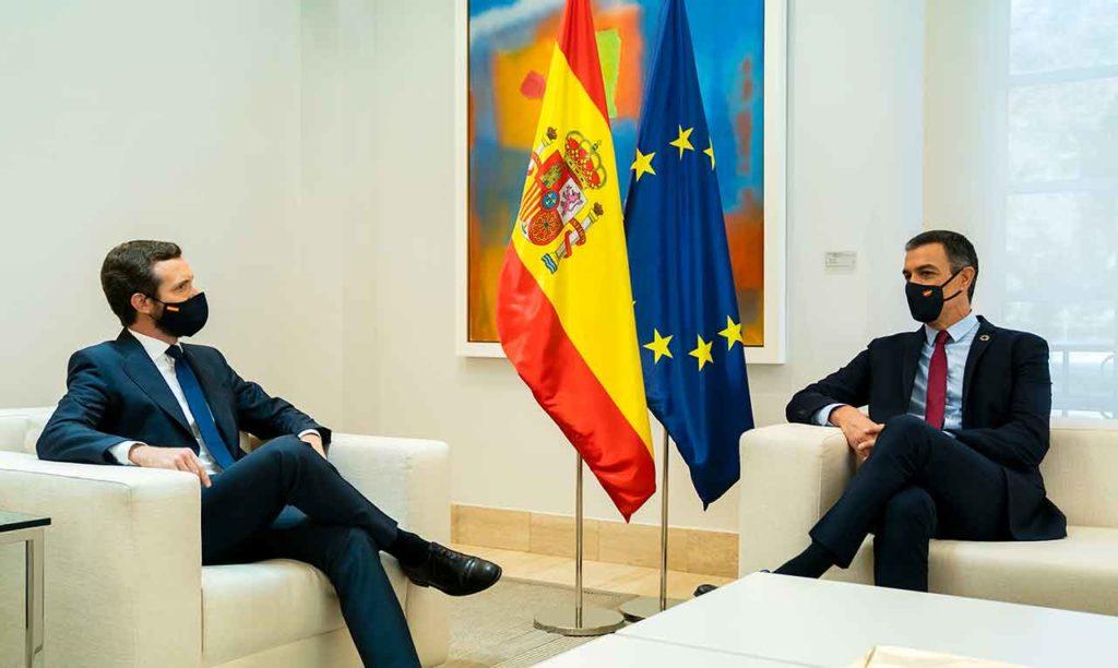 Encuentro entre Pablo Casado y Pedro Sánchez el pasado mes de septiembre.