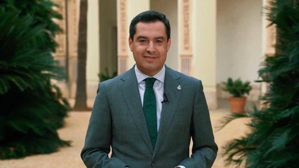 El presidente de la Junta de Andalucía, Juan Manuel Moreno Bonilla, durante su mensaje a los andaluces en el exterior.