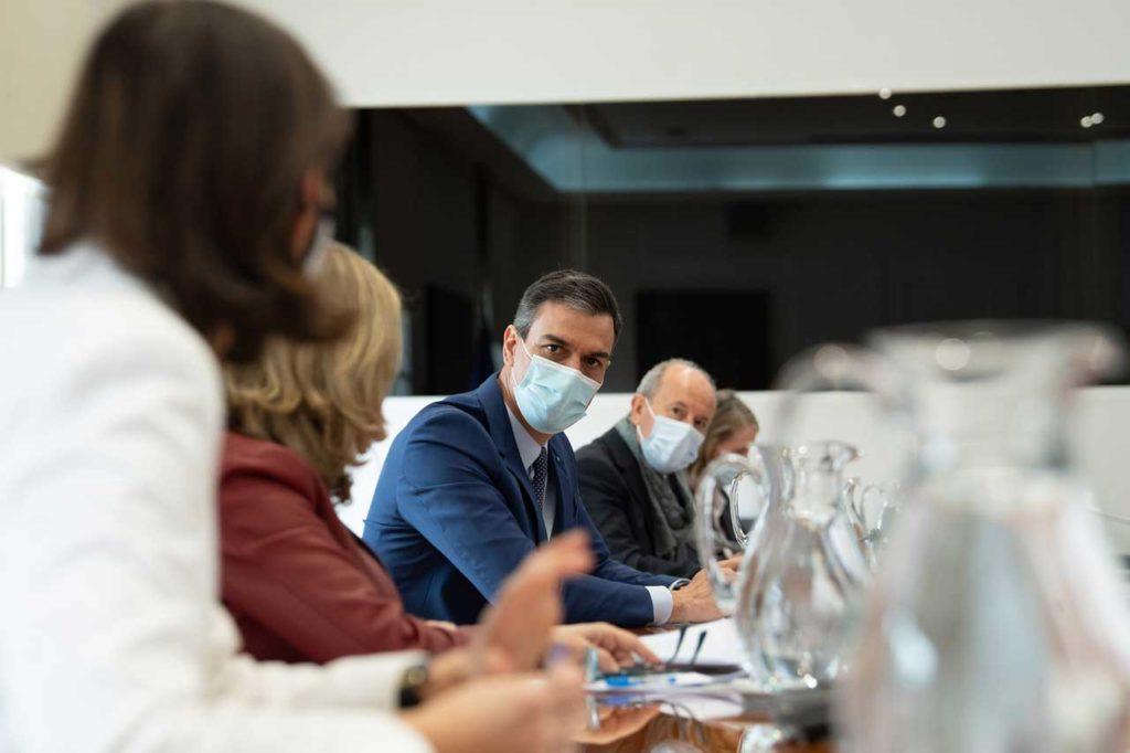 El presidente del Gobierno, Pedro Sánchez, preside la reunión sobre Certificados de Vacunación.